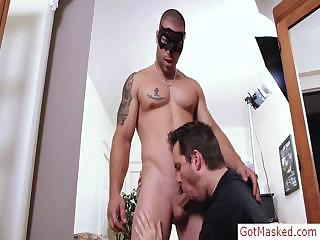 Tatooed muscle stud procurement sucked by gotmasked