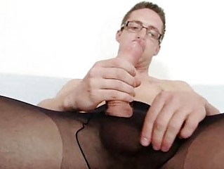 Solo careless Rick cums overhead his nylon tights