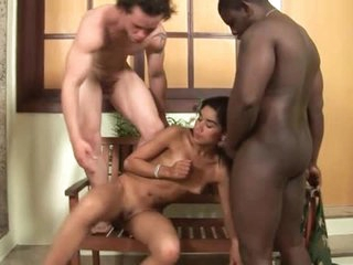 Blowjobs abound in Latin bisexual threesome